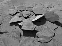 Surface foncée criquée de démolition concrète Images libres de droits
