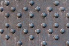 Surface métallique rouillée avec la texture hémisphérique Photo stock