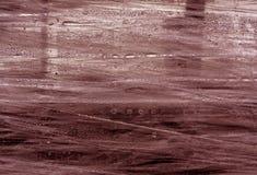 Surface rouge d'enveloppe de PVC avec des baisses de l'eau Image libre de droits