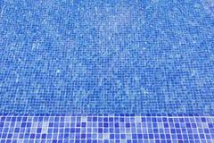 Surface texturisée de l'eau de piscine Image stock
