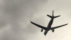 Surfacez environ pour débarquer à l'aéroport international de Taoyuan, Taïwan Images stock