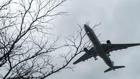 Surfacez environ pour débarquer à l'aéroport international de Taoyuan, Taïwan Image libre de droits
