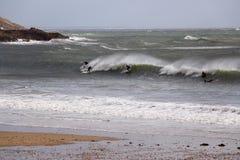 Surfant en bas du Gower, Swansea, sud du pays de Galles, R-U Image stock