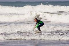 surfare för 02 dude Arkivbild