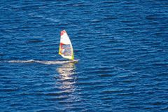 Surfare i havet Royaltyfri Bild