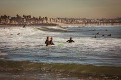 Surfare i Kalifornien Arkivbilder