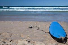 surfarear för kustguldparadis Royaltyfri Bild