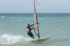 Surfareritter i Blacket Sea Anapa Ryssland royaltyfri fotografi