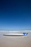 Surfboard на пляже australites Стоковая Фотография RF