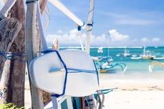Surfboard на пляже Sanur, тропический остров Бали, Индонезия стоковые фотографии rf