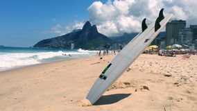 Surfboard Ipanema plaża Rio De Janeiro Brazylia zbiory wideo