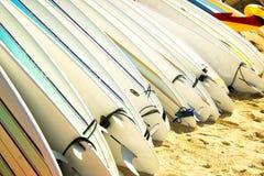 Surfboards, пляж Waikki, Гонолулу, Оаху, Гавайи Стоковое Изображение
