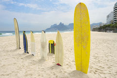 Surfboards Ipanema plaża Arpoador Rio De Janeiro Fotografia Stock
