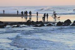 Surfer στο τέλος εδαφών του Σαν Φρανσίσκο Στοκ φωτογραφία με δικαίωμα ελεύθερης χρήσης