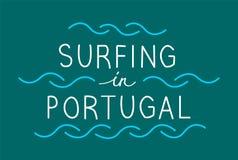 Surfer au Portugal avec la ligne vagues Vecteur marquant avec des lettres l'illustrati illustration stock