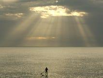 Surfer auf dem Wasser Lizenzfreie Stockfotos
