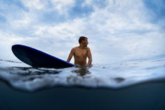 Surfer with a board Royalty Free Stock Images