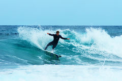 Surfer chez Furteventura photo libre de droits