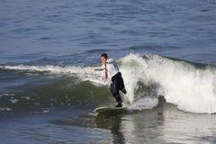 Surfer dans le fumage Photo libre de droits