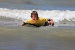 Surfer de garçon Photo libre de droits