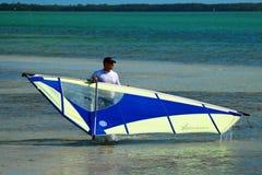 Surfer de vent fini pour le jour Photo stock