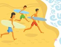 Surfer, die in den Ozean laufen Stockfotografie