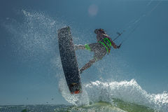 Surfer du cerf-volant Boarding Images stock