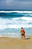 Surfer du nord de rivage Photographie stock libre de droits