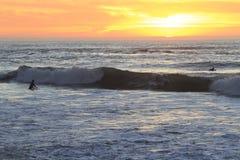 Surfer en San Francisco Lands End Photos stock