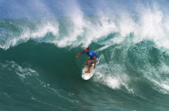Surfer Greg Emslie surfant au Backdoor Images libres de droits