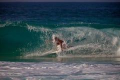 Surfer het berijden Royalty-vrije Stock Afbeeldingen