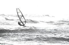 Surfer in het overzees Stock Afbeelding