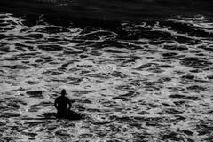 Surfer in het overzees Royalty-vrije Stock Foto