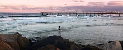 Surfer im Surfer-Paradies Queensland Australien Lizenzfreie Stockfotos