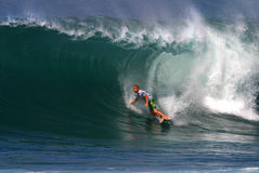 Surfer-Klaps O'connell, das am Backdoor surft Lizenzfreies Stockbild