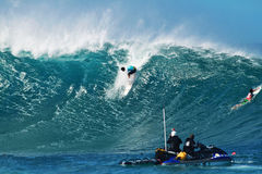 Surfer Michel Bourez Surfing Pipeline in Hawaii Royalty Free Stock Photography