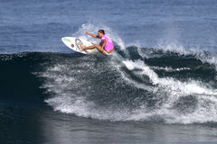 Surfer Nicola Atherton Surfing Haleiwa Hawaii Royalty Free Stock Photos