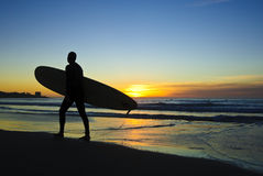 Surfer am Sonnenuntergang, La- Jollaufer lizenzfreies stockfoto