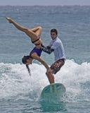 Surfer tandem Image libre de droits