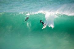 Surfer uitgestrekt in Noordhoek Royalty-vrije Stock Fotografie