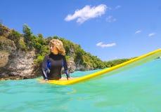 Surfermeisje Stock Foto