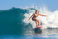 Surfermeisje. Royalty-vrije Stock Afbeeldingen