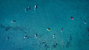 Surfers άνωθεν στοκ εικόνα