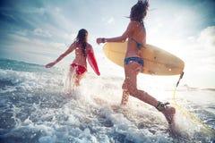 Surfers Images libres de droits