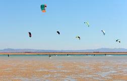 Surfers de cerf-volant Photo libre de droits
