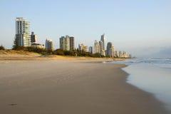 surfers de paradis d'or de côte de l'australie Photo stock