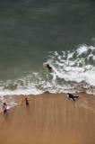 Surfers en Hawaï Image libre de droits