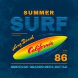 SurfIing Fotografia Stock Libera da Diritti