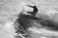 surfin della siluetta Fotografia Stock Libera da Diritti