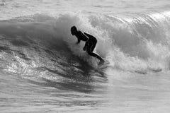 surfin della siluetta Immagine Stock Libera da Diritti